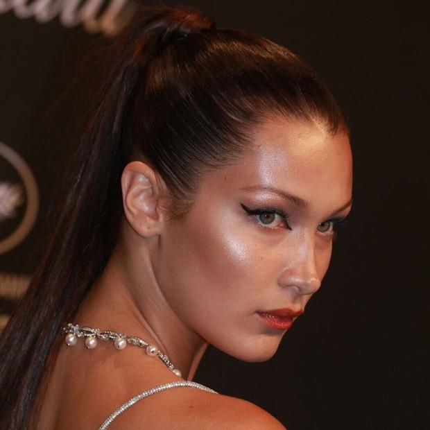 Detalhe do rosto de Bella Hadid na festa da Chopand em Cannes (Foto: Antonio Barros/ Divulgação)
