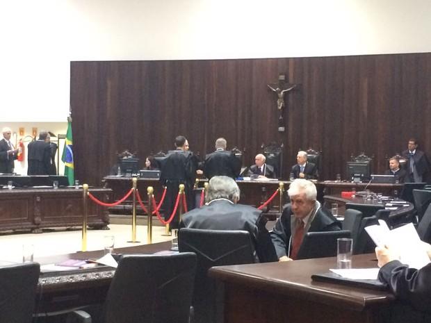 Todos os candidatos eram desembargadores do Tribunal de Justiça do Paraná (Foto: João Salgado / RPC)