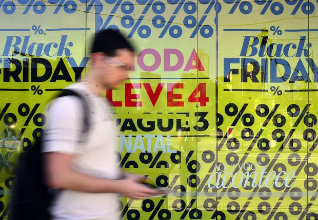 19e59981823 Consumidores brasileiros antecipam compras de Natal na Black Friday (Foto   Rovena Rosa Agência