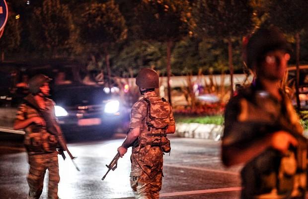Vice-primeiro-ministro diz que Erdogan está viajando para Istambul