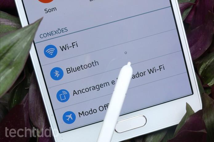 """Bolinha"" indica onde a S-Pen está localizada no Galaxy Note 4 (Foto: Lucas Mendes/TechTudo)"