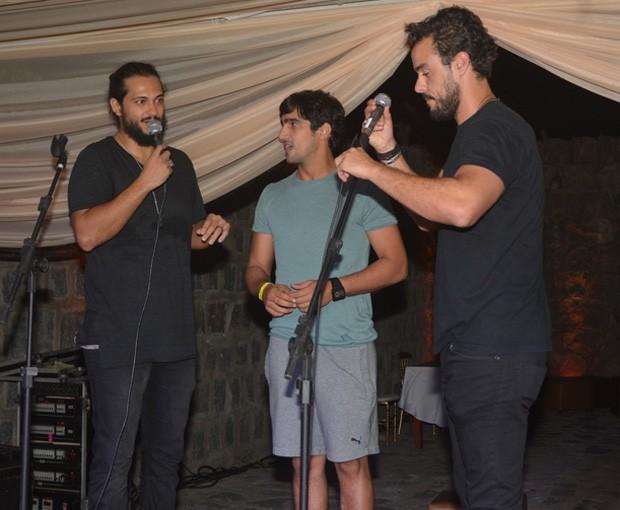 Raphael Vianna, Renato Góes e Joaquim Lopes no palco (Foto: Felipe Souto Maior/AgNews)