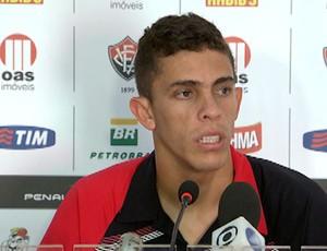gabriel paulista, zagueiro do vitória (Foto: Imagens/TV Bahia)