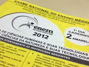 Capa amarela da prova de ciências humanas e ciências da natureza do Enem 2012 (Foto: Ana Carolina Moreno/G1)