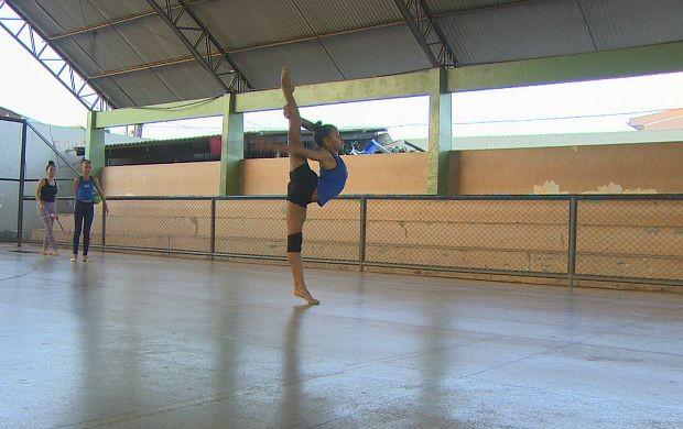 Eduarda tem 11 anos e é destaque na ginástica rítmica em Porto Velho (Foto: Bom Dia Amazônia)