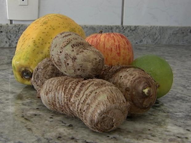Inhame faz bem para regular ciclo menstrual, afirma nutricionista de Tatuí (Foto: Reprodução/TV TEM)