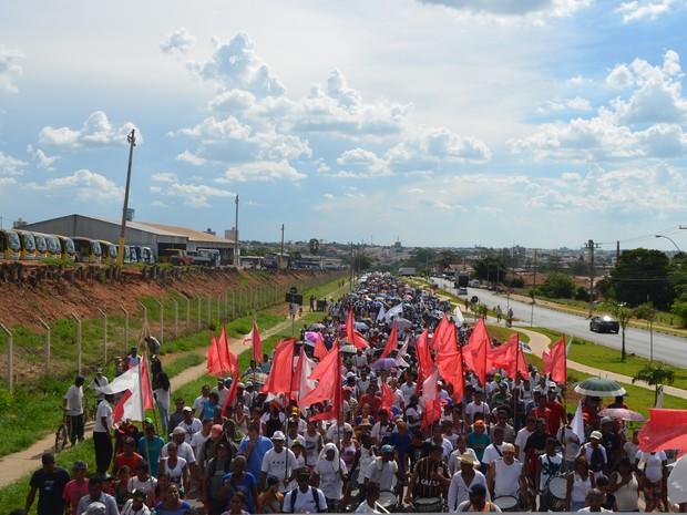 Organizadores afirmam que ato reuniu 2 mil pessoas nesta terça-feira (24) (Foto: Arthur Menicucci/ G1)