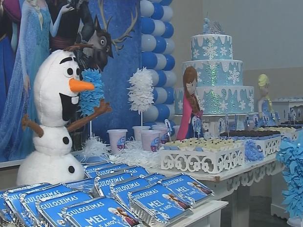 Primeira festa de aniversário de Mel foi feita de forma voluntária (Foto: Reprodução/TV TEM)