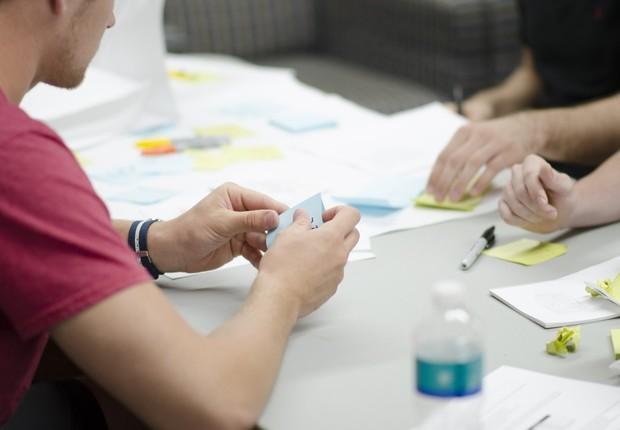 escritório, startup, jovens, post-it (Foto: Pexels)