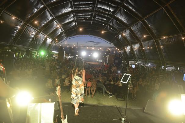 Bia Torres no palco do Anhanguera Sabores. (Foto: Evandro Duarte)