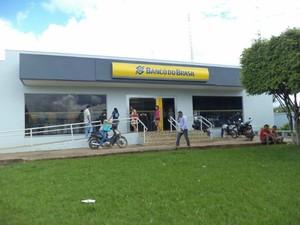 Agência do Banco do Brasil retornou atendimento nesta quinta-feira, em Jaru (Foto: Maico Gean do Carmo/Jaru Online)