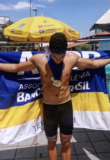 Caio Silvestre natação (Foto: Reprodução/Facebook)