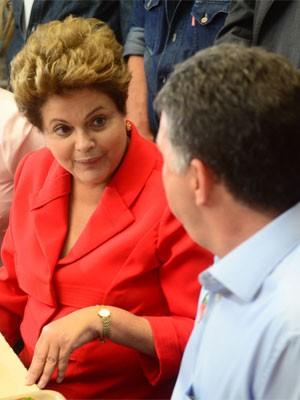 Dilma Rousseff  visita o restaurante popular Cidadão Getúlio Vargas, em Bangu (Foto:  Jorge Heli / Futura Press / Futura Press/ Estadão Conteúdo)