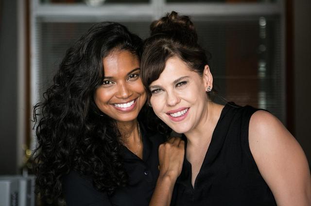 Aline Dias com Bárbara Paz (Foto: Raquel Cunha/ TV Globo)