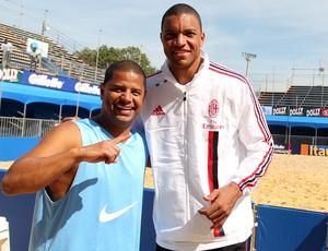 Marcelinho Carioca e Dida Mundialito de Clubes de futebol de areia Represa de Guarapiranga em São Paulo (Foto: Gaspar Nóbrega/Inovafoto)