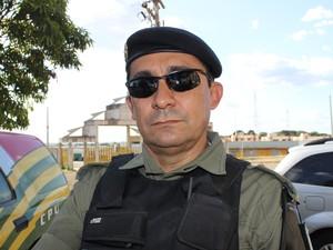 Comandante do Policiamento na capital, Alberto Meneses (Foto: Yara Pinho / G1)