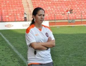 Luiza Montingelli, a técnica do time feminino do Furacão. (Foto: Divulgação/Site oficial do Atlético-PR)
