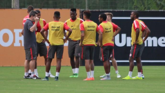Argel, jogadores, treino, Inter (Foto: Eduardo Deconto / GloboEsporte.com)