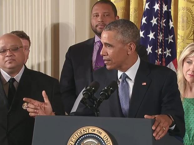 Barack Obama anuncia medidas para diminuir mortes por armas de fogo (Foto: Reprodução/Youtube/White House)