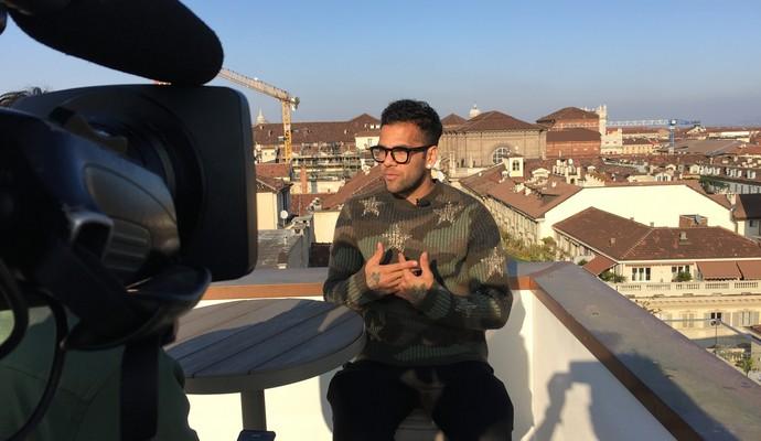 Dani Alves em entrevista para o Esporte Espetacular (Foto: Sergio Gandolphi)