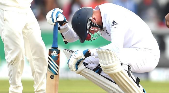 Stuart Broad bolada no nariz (Foto: Getty Images)