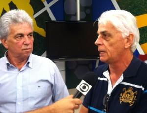 Claudio Marques e Alfredo, jogadores da velha guarda do Atletiba (Foto: Gabriel Hamilko/Globoesporte.com)