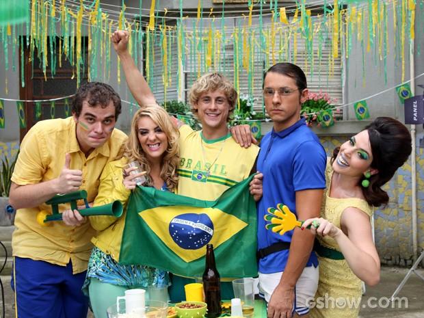 Personagens no episódio da Copa do Mundo (Foto: Pé na Cova/ TV Globo)