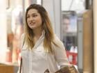 Sasha faz compras em shopping do Rio acompanhada de amiga
