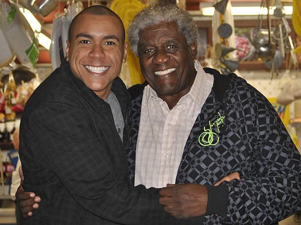 Lincoln Tornado tem em Tony sua grande fonte de inspiração (Foto: Amor Eterno Amor/TV Globo)