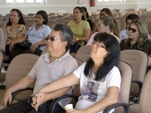 Família pediu por justiça durante o velório (Foto: Reprodução/TV Anhanguera)