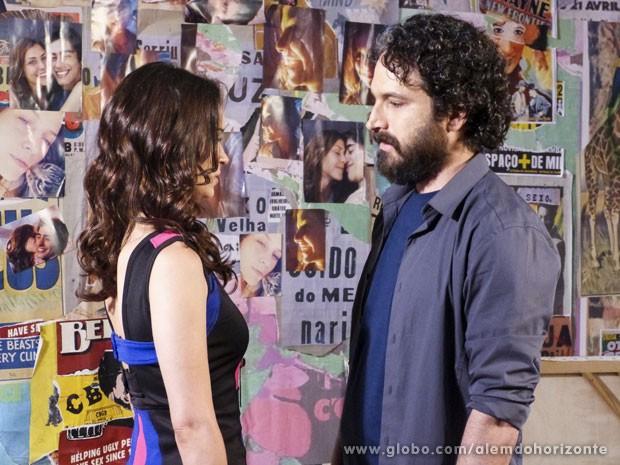A empresária e o delegado têm tudo a ver (Foto: Além do Horizonte/TV Globo)