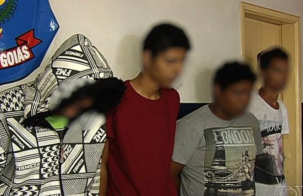 Polícia desmonta quadrilha que aplicava golpe da 'bença tia' em Goiás (Foto: Reprodução/TV Anhanguera)