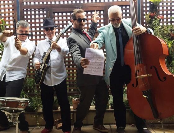 O grupo de rock Love The Lovers é a atração do hotel na noite de sábado  (Foto: Divulgação)