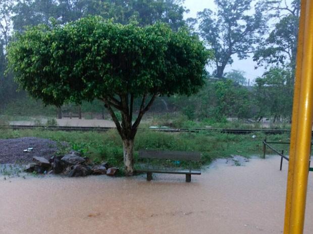 Chuva forte deixa caos em Santo Amaro. (Foto: Magno Araújo/Maru Maru notícias)