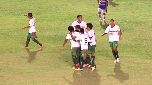 Sampaio comemora gol sobre Maranhão, no Nhozinho Santos (Foto: Reprodução/TV Mirante)