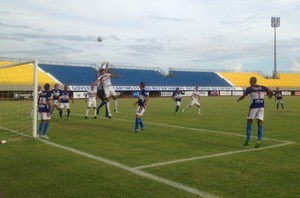 Tocantins goleia o Palmas com o placar de 5 a 1 no estádio Nilton Santos (Foto: Camila Rodrigues/GloboEsporte.com)