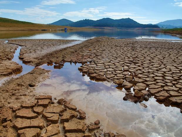 Represa do Sistema Cantareira em agosto de 2015 (Foto: Luis Moura/Estadão Conteúdo)