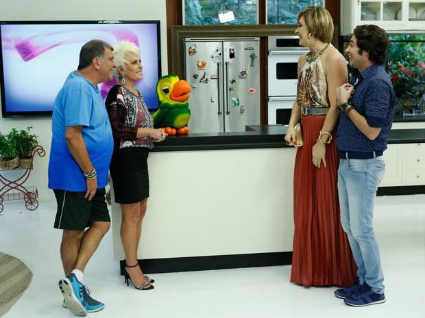 Claudia Raia e Conrado Caputo gravam com a apresentadora Ana Maria Braga (Foto: Ellen Soares/Gshow)