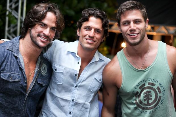 Rodrigo, João Mauricio e Jonas, ex-BBBs em Santa Catarina (Foto: Adriel Douglas/Divulgação)