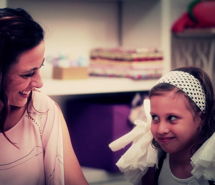 Kika Motta ensina a fazer fantasia de anjinho (Foto: Gshow)