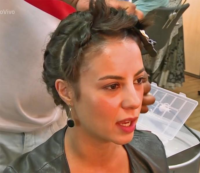 Andreia Horta inicia preparativos para caracterização em 'Liberdade, Liberdade' (Foto: Vídeo Show / TV Globo)