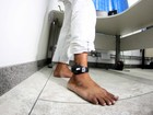 Homem que usava tornozeleira é preso suspeito de assaltar mulher