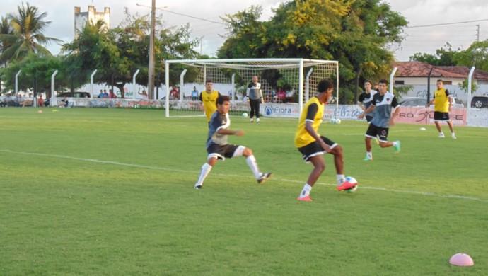 Jogadores do Botafogo realizam seu primeiro treino com bola (Foto: Divulgação / Botafogo-PB)