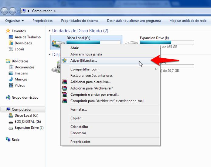 Acessando as configurações do BitLocker pelo Meu Computador no Windows 7. (Foto: Reprodução/Alessandro Junior)