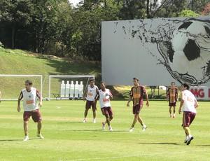 jogadores no treino do Atlético-MG (Foto: Roberto Rodrigues / Globoesporte.com)