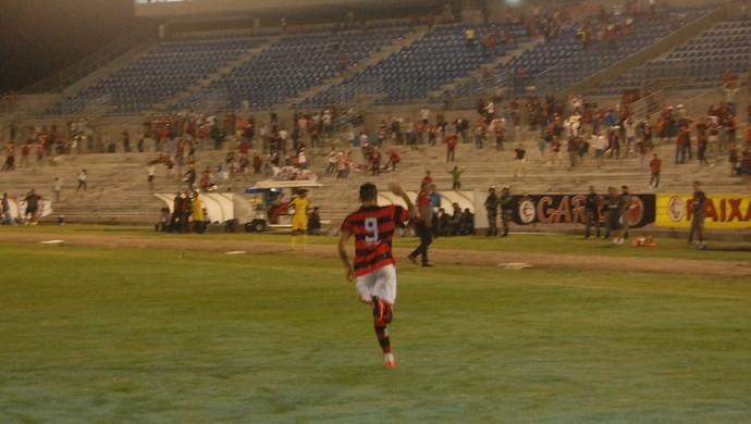 Felipe Alves, meia do Campinense (Foto: Silas Batista / GloboEsporte.com)