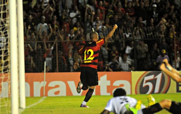 Sport x Joinville - Patric (Foto: Aldo Carneiro/Pernambuco Press)
