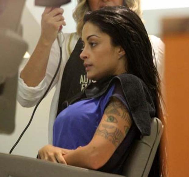Aline Riscado sem maquiagem (Foto: Marcos Ferreira/ Brazil News)