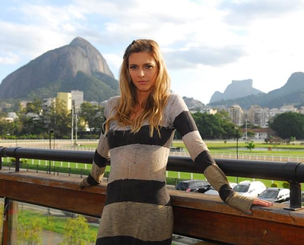 Fernanda Lima com o Rio de Janeiro ao fundo (Foto: João Miguel Júnior/TV Globo)