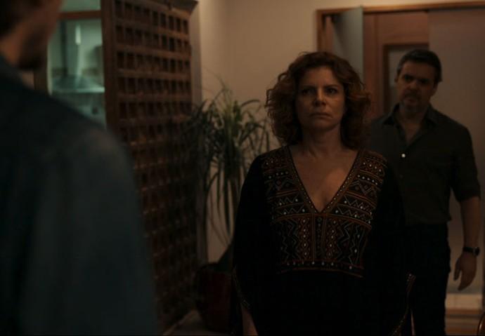 Elisa fica frente a frente com o assassino de sua filha (Foto: TV Globo)